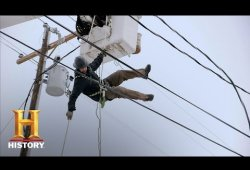 Power & Ice: Bucket Truck Rescue (S1, E4) | History